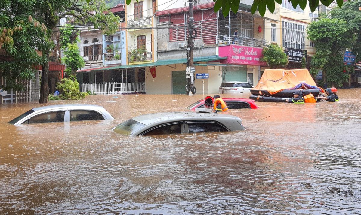 Nằm mơ thấy lũ lụt là điềm gì, đánh con gì?