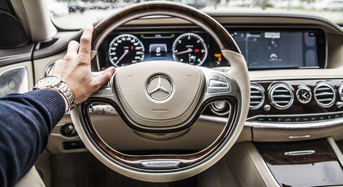 Mơ lái xe có ý nghĩa gì?