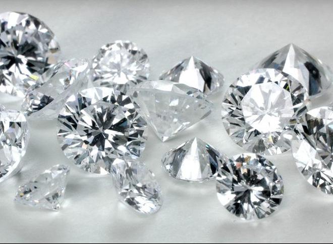 Chiêm bao thấy kim cương đánh số mấy, là điềm báo hung hay cát?